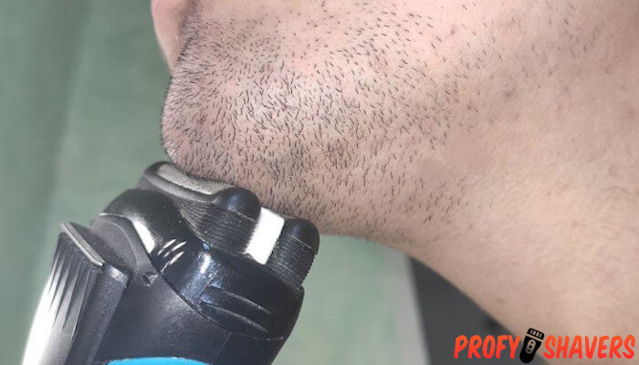 Shave in the shower without cream with electric razor